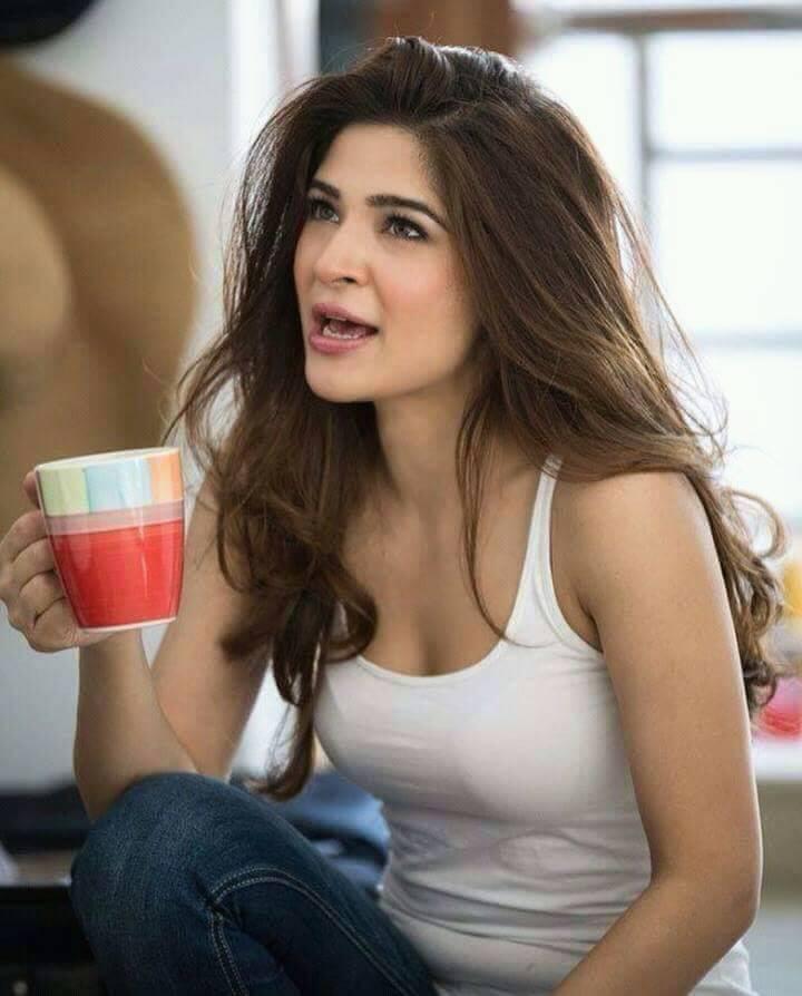 ayesha omar actress singer stylish pakistani outfits biography reviewit pk
